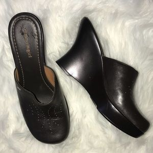 Tommy Girl Brown Wedge Clogs NWOT Size 9